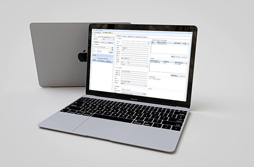 MacBook mit Volta CRM